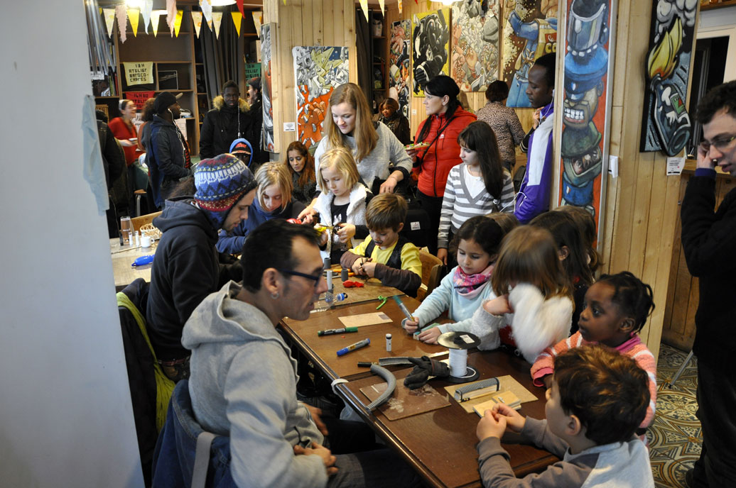 Cafe Solidaire Rue Chevandier  Valence